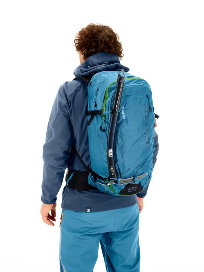 Front view - ice axe and hiking pole fastener - Ortovox Ascent 32L Tour Series - Blue Sea