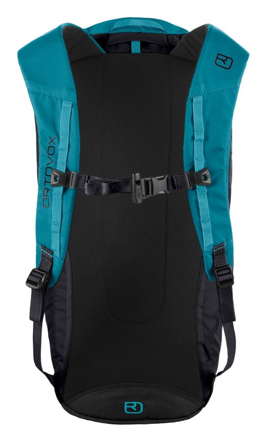 Back View - lightly padded shoulder straps and integrated safety whistle - Ortovox Trad 18 - Black Raven