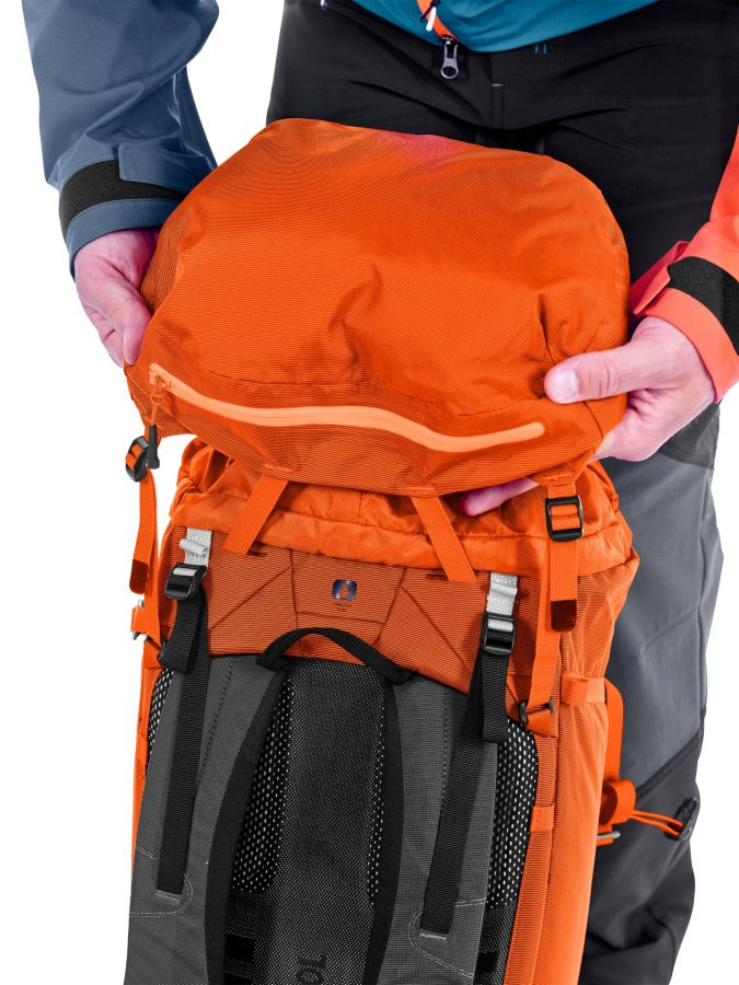 Ortovox Peak light 32 - Back View - Top Loading Pocket